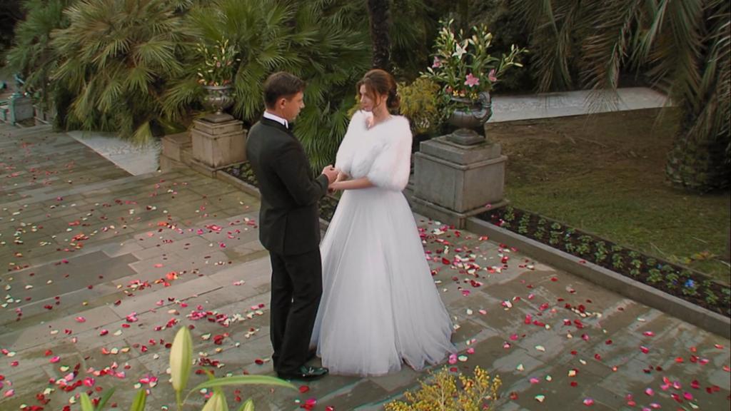 внешность привлекает тимур в программе холостяк фото невесты перевести